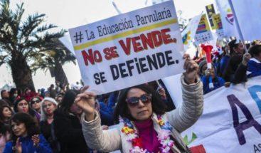 Profesores chilenos rechazan propuesta del Gobierno y deciden seguir el paro
