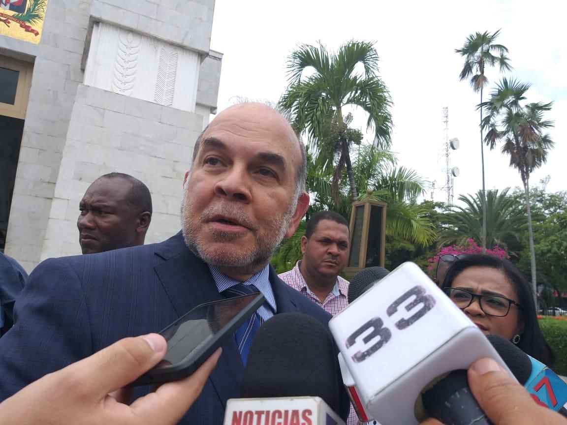 Afirman si Medina intenta modificar la Constitución detonaría una crisis de ingobernabilidad