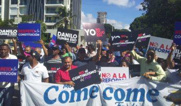 Marchan hacia el Congreso en contra de una reforma constitucionalconfines reeleccionista