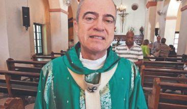 Obispos católicos exigen la renuncia del gobernador de Puerto Rico