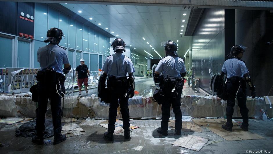 Al menos 15 detenidos por protestas en Hong Kong y el asalto al Parlamento
