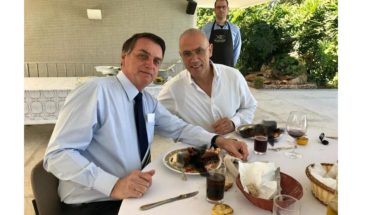 Una langosta deja en ridículo en Twitter al embajador de Israel en Brasil
