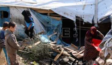 Al menos 37 muertos por bombardeos rusos contra un mercado en Idlib