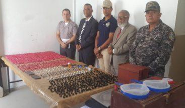 Policía Nacional incauta 2,785 porciones de presuntamente drogas en una casa en Valverde