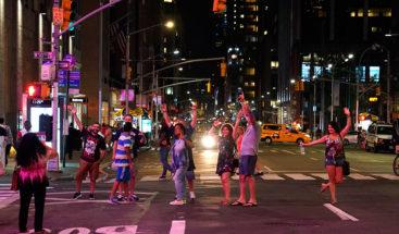 Vuelve la luz a Manhattan tras apagón afectó 72.000 clientes, metro y teatros