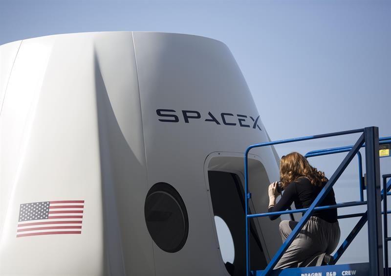 SpaceX prueba con éxito su vehículo Starhopper
