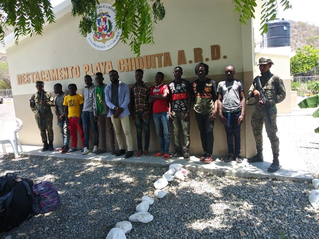 Armada Dominicana frustra cuatro viajes ilegales, detiene 14 personas, incluyendo 10 nacionales haitianos