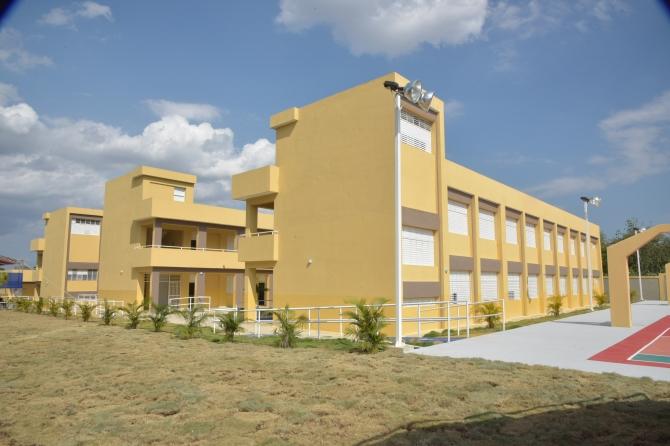 Minerd inicia la reconstrucción de todos los centros educativos de Santiago