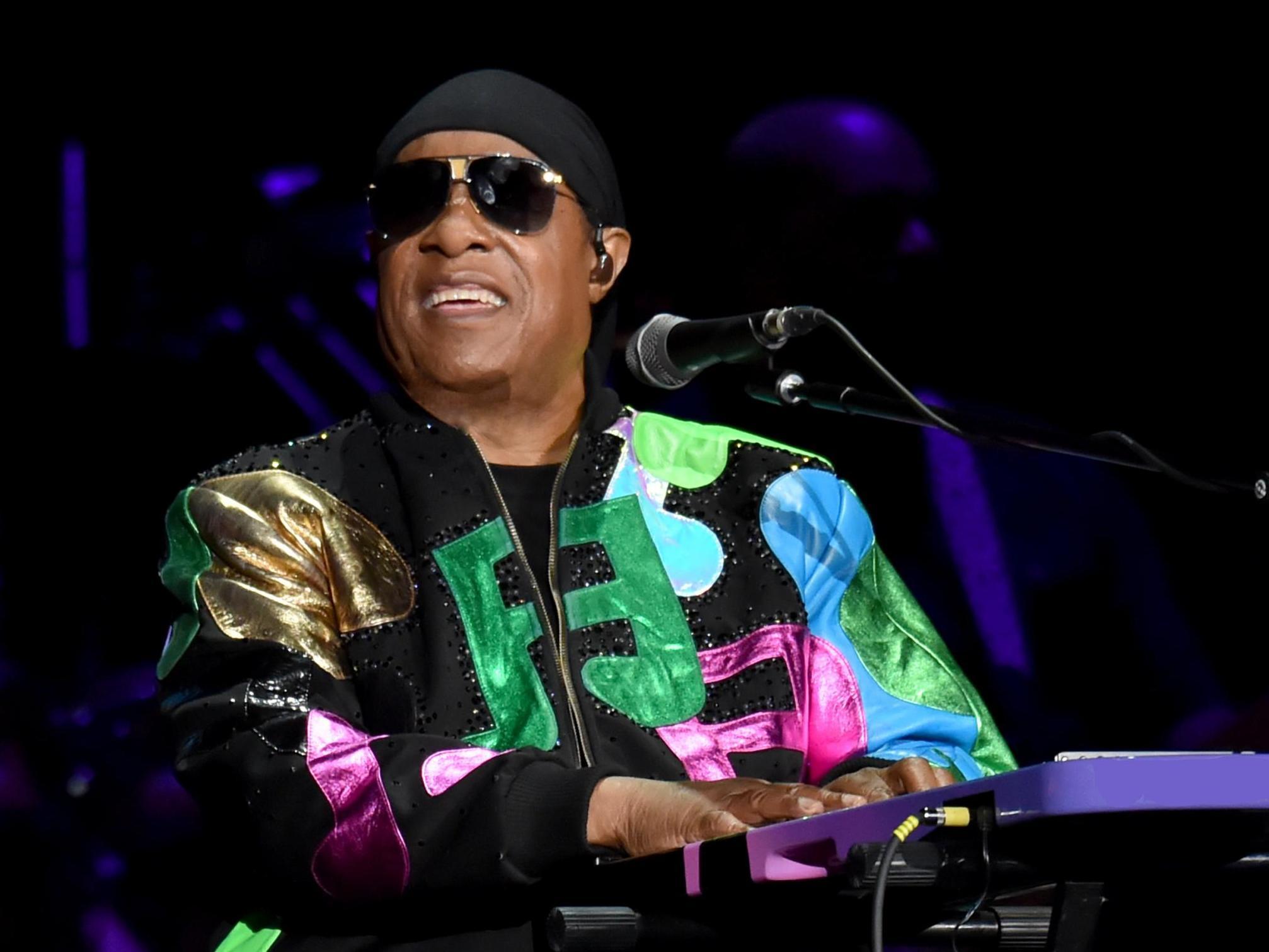 Stevie Wonder anuncia en Londres que recibirá un trasplante de riñón