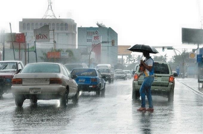 Onda tropical provocará aguaceros y tronadas en varias regiones, según Onamet