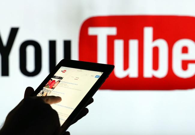 YouTube retira ocho listas de reproducción que sexualizaban vídeos inocentes de menores