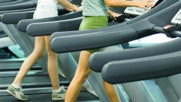 El ejercicio en la cinta de correr puede aliviar el dolor menstrual
