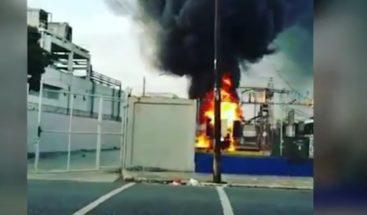 Incendio avería transformador en av Independencia; Edesur afirma electricidad retornará a las 1:00 pm