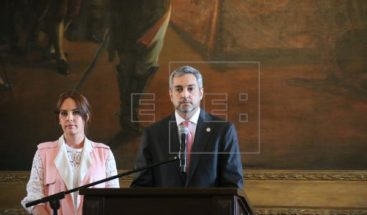 Oposición presenta acusación para juicio político contra presidente paraguayo