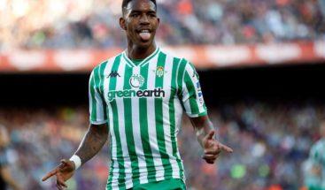 Dominicano Junior Firpo, nuevo jugador del Barça