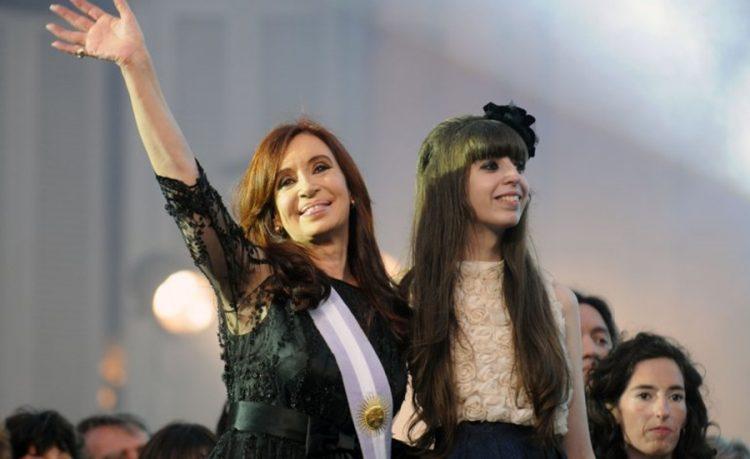 Autorizan a Cristina Fernández a viajar a Cuba para ver a su hija este mes