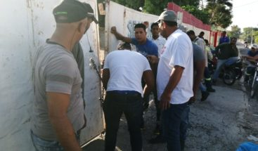 Empleados de una contratista de Edesur protestanpara exigir sus prestaciones laborales