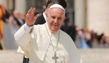Papa dice que la guerra y el terrorismo son pérdidas graves para la humanidad
