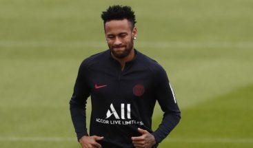 El PSG rechaza la oferta del Barça por Neymar y quiere dinero, dice RMC Sport