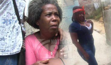 Asesinan mujer de varios disparos en Villa Duarte