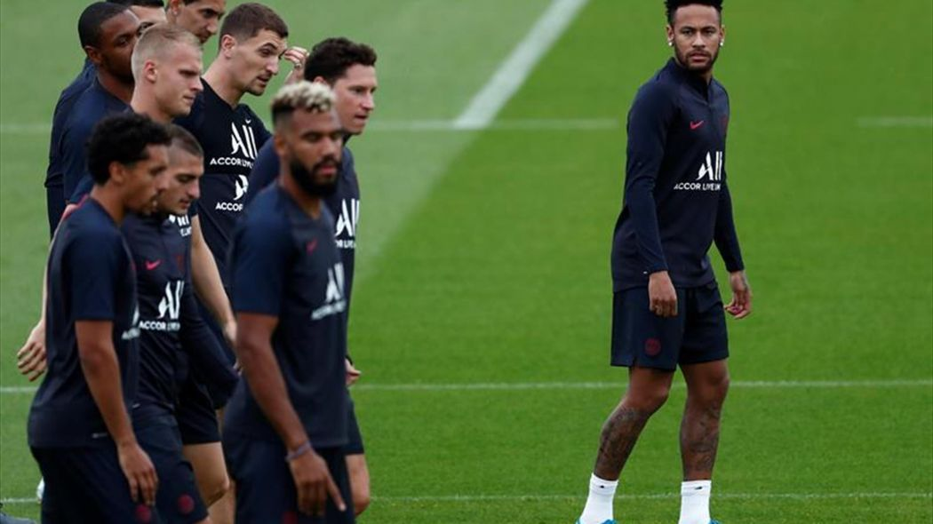 Sube la presión para que el PSG se quede con Neymar tras su derrota en liga