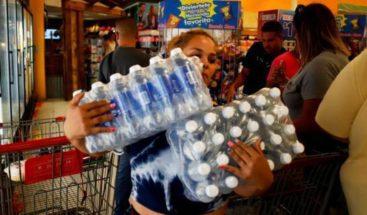 Abarrotan supermercados y estaciones de combustibles ante paso Dorian en Puerto Rico