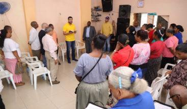 Rafael Paz recibe apoyo de pastores evangélicos; afirma establecerá asambleas legislativas como senador del DN