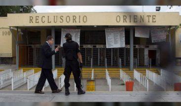 Tres muertos y siete heridos deja un incendio en penal de la Ciudad de México