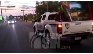 PN apresa a dos de cinco hombres acusados de despojar de vehículo a un ciudadano de Moca