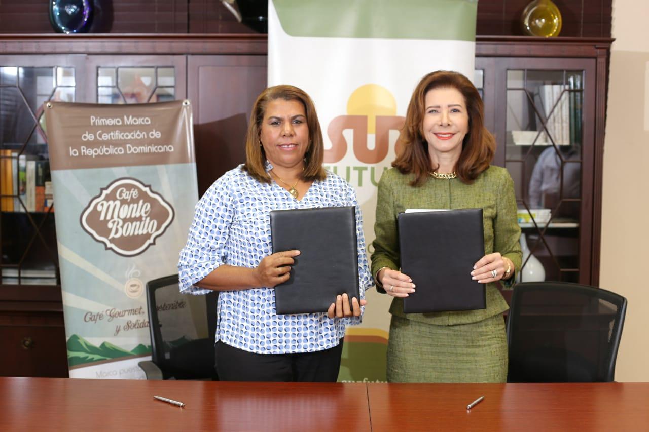 Sur Futuro y FECADESJ firman acuerdo para procesar café de pequeños productores de Azua y San Juan