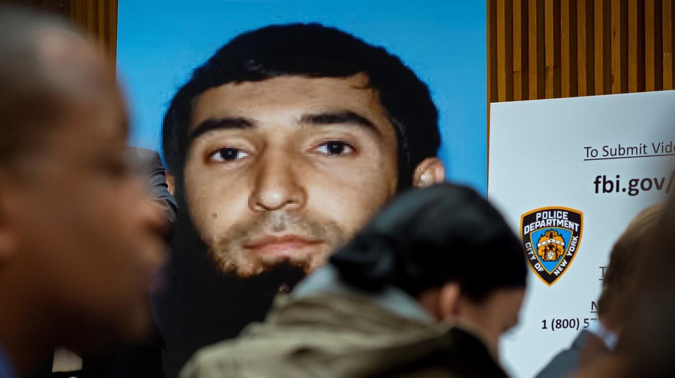 Uzbeko acusado de terrorismo en Nueva York solicita llamadas interceptadas