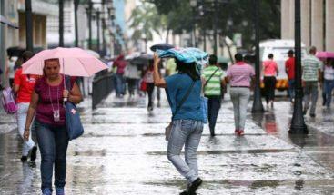 Onda tropical y vaguada provocarán aguaceros, según Onamet