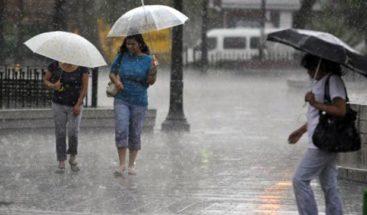Onamet prevé aguaceros y tronadas eléctricas hacia el interior del país