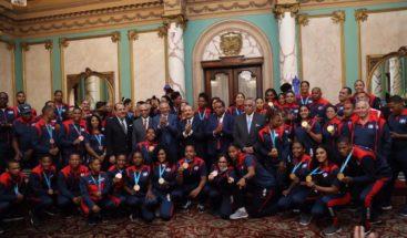 Presidente Medina se reúne con medallistas de Lima 2019; recibirán desde 85 a 300 mil pesos de incentivos