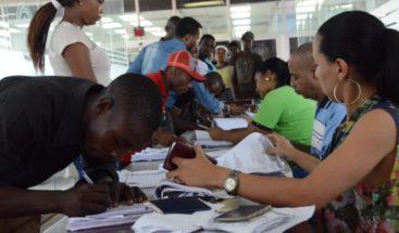 Piden agilizar revisión de 28 mil expedientes de personas que se acogieron al Plan de Regularización