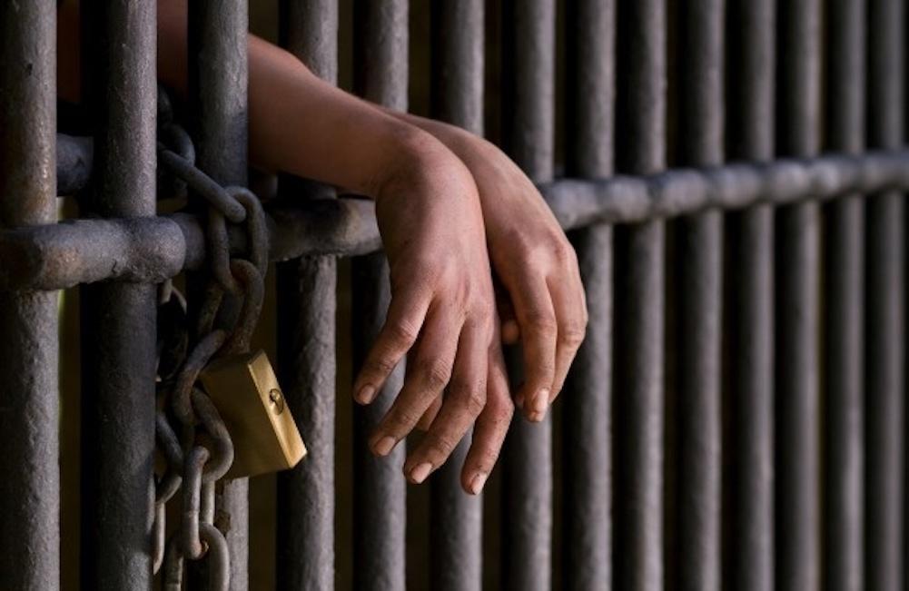 Ditan dos meses de prisión preventiva a conductor que agredió a un agente de la DIGESETT