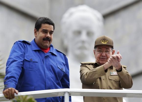 EEUU sanciona a Raúl Castro por