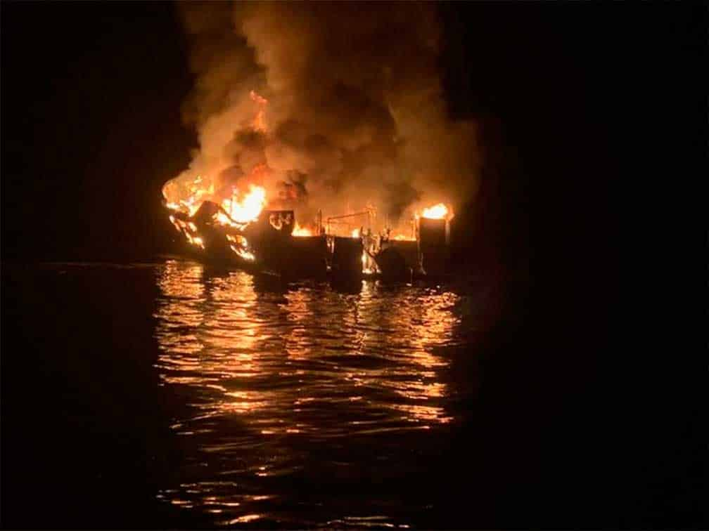 Al menos 34 desaparecidos tras incendio de un barco en la costa de California