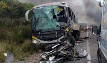 Al menos 5 muertos y 35 heridos deja un accidente de autobús en Guatemala