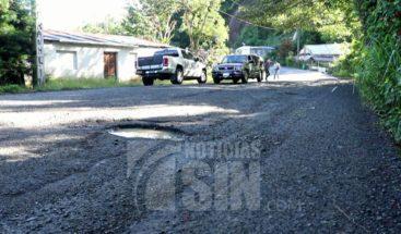 Se deteriora carretera Casabito -Constanza ante mirada indiferente de las autoridades