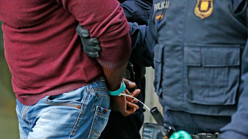 Detienen hombre en España por matar a su madre y convivir 10 días con el cadáver en su casa