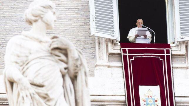 El papa pide rezar para expresar cercanía a los migrantes y refugiados