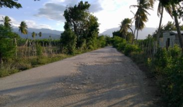 Transportistas denuncian mal estado de carretera Peñón-Cabral en Barahona