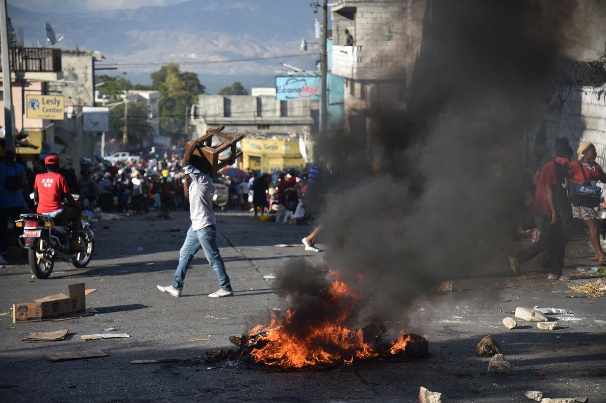 Las protestas por la escasez de gasolina paralizan la capital de Haití