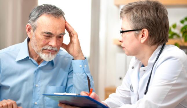 Pacientes con demencia en EEUU a menudo no reciben diagnóstico especializado