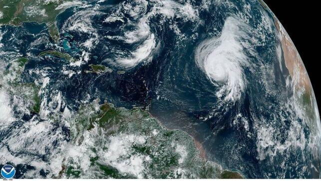 El huracán Lorenzo se dirige al archipiélago de las Azores