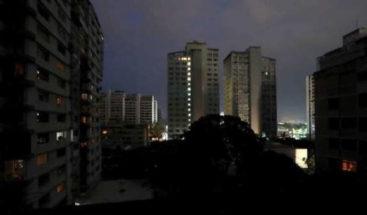 Un nuevo apagón en Venezuela afecta a Caracas y a una decena de estados