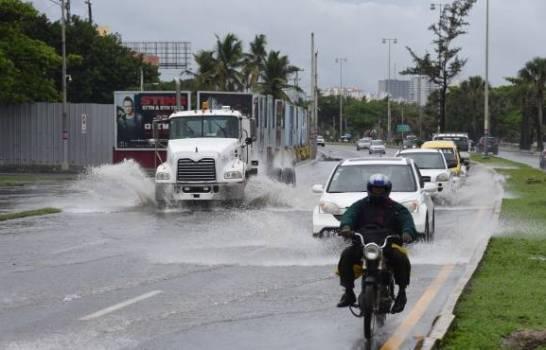 Onda tropical y vaguada producirán aguaceros y tronadas en gran parte de RD