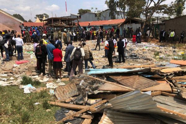 Al menos 7 niños muertos y 64 heridos al derrumbarse una escuela en Nairobi
