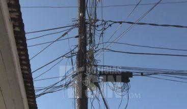 Comerciantes en Azua aseguran constantes apagones les generan pérdidas